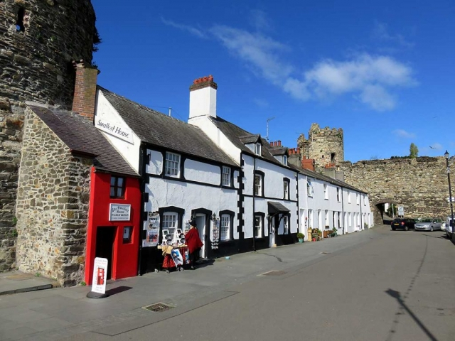 The smallest house in the UK, Conwy harbour